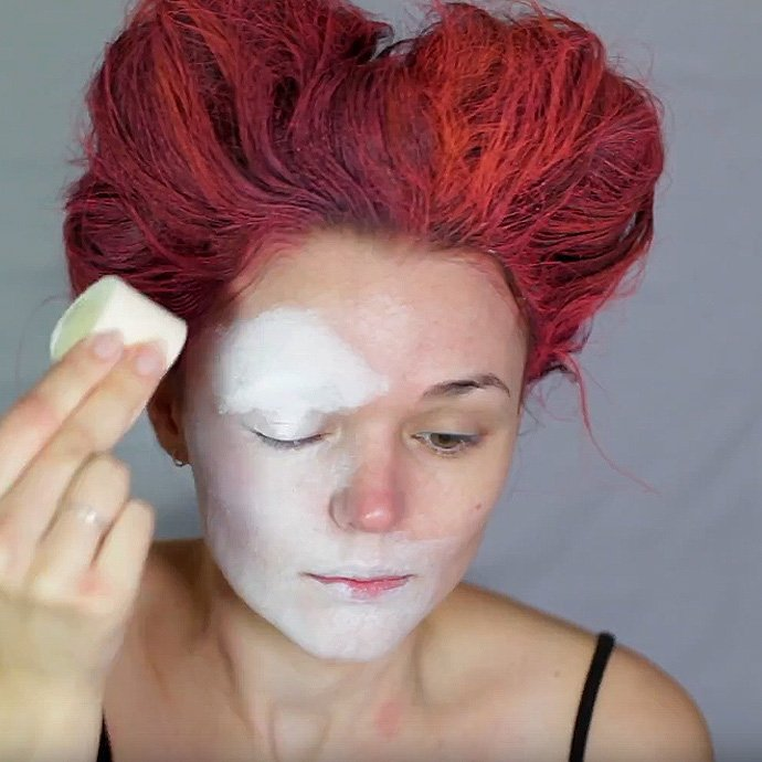 Queen of Hearts Make-Up Tutorial - Step 5
