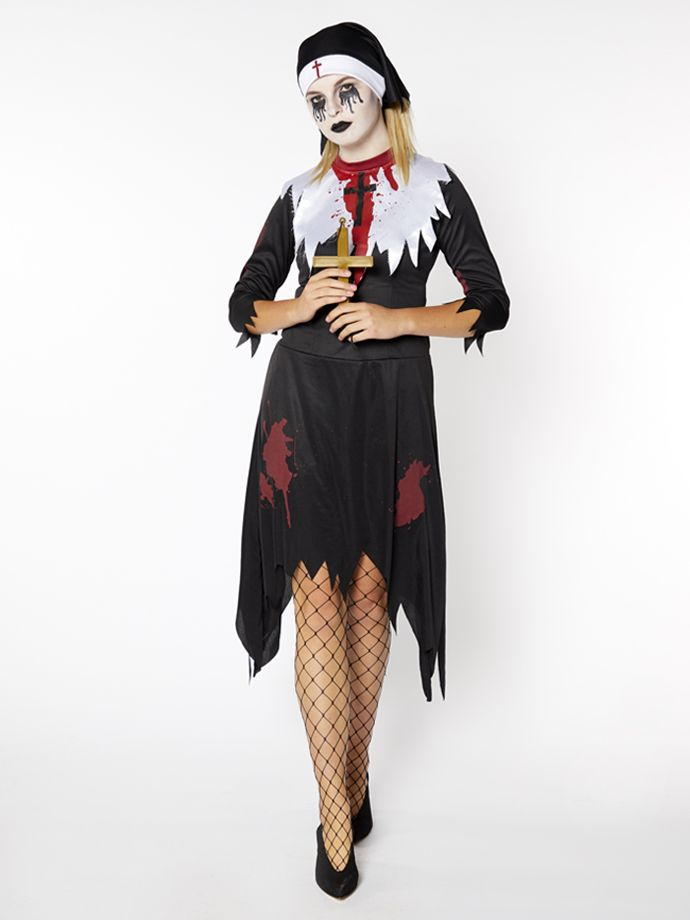 Deadly nun costume for Halloween