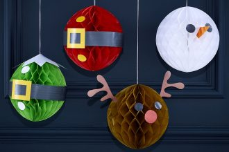 Four honeycomb Christmas decorations