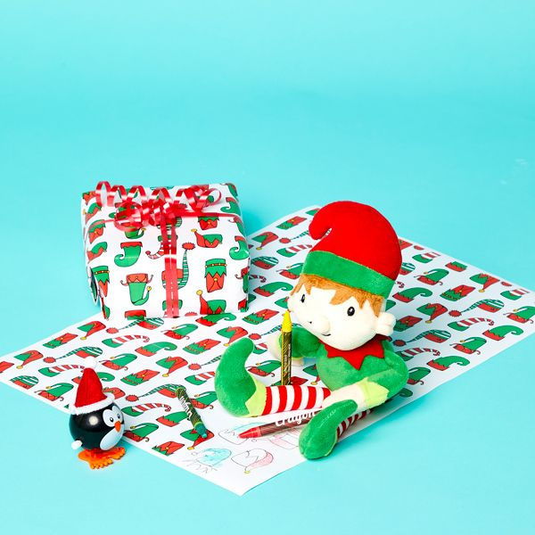 Elf on the Shelf idea - Making free printable Christmas wrapping paper