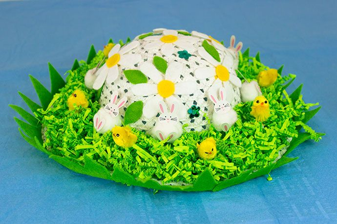 Easter bonnet designed to look like a Spring garden
