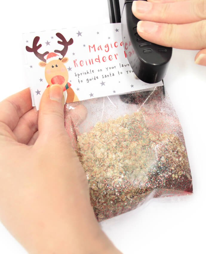 Cellophane bag full of oats and edible glitter designed to look like reindeer food