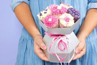 Make a beautiful cupcake bouquet with our new boxes - perfect for decorating as flowers and giving to mum